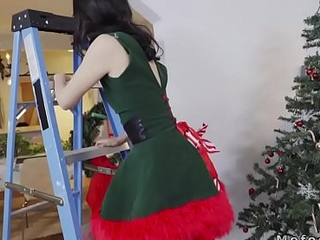 Nixie girlfriend fucks heavy cock bf above Xmas