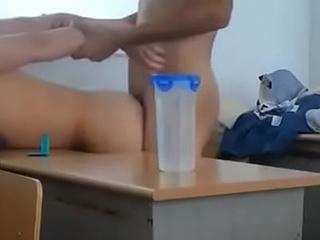 年輕小情侶放學在教室裡啪啪啪 Young asian student safe sex in school