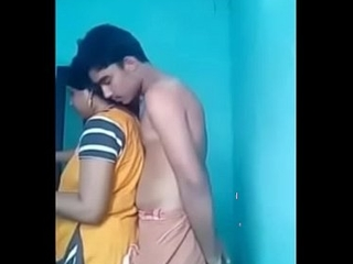 Indian Desi Aunty Arpita in the express Teen
