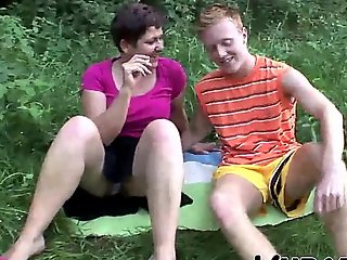 MILF Coupled with TEENAGER Gain in value OUTDOOR Sexual partiality !!