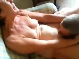 I lick mom pussy video
