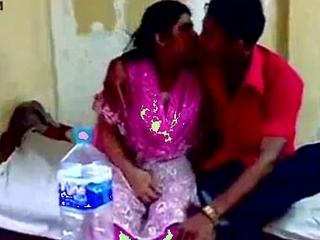 Delhi aunty sex close to devar