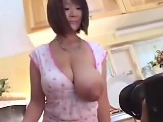 Big jugs Japanese mommy milking