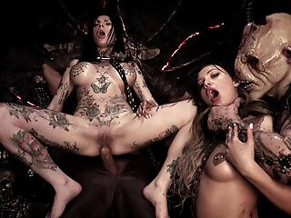 HORRORPORN Hell Hoes