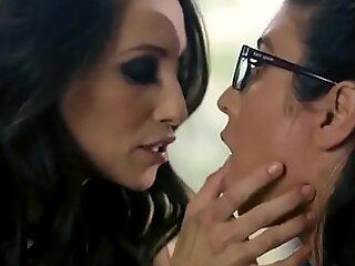 Amateur Spex Teen Lesbian Tribbing Sexy Milf
