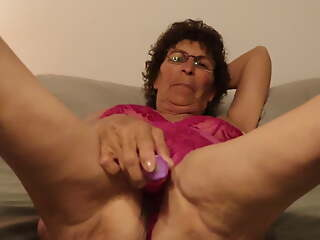 Mature Granny on no account Vibrator