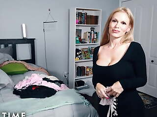 MODEL TIME Pervy Mom Tuned on By Step-Daughter's Panties