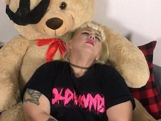 Chunky Teen'_s Teddy Bear Fantasy Preview
